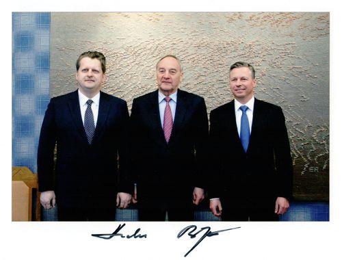 Prezidenta parakstītā fotogrāfija ed